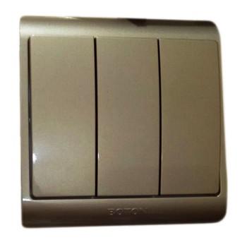 Boton Saklar Triple G7-005